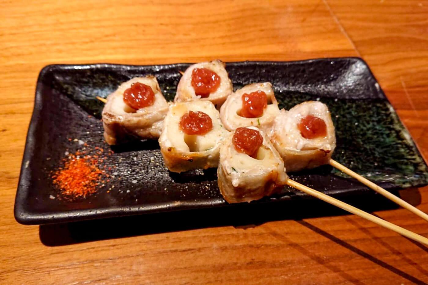 焼鳥ワイン酒場 TORI-BUDOUのレンコン巻き梅肉ポン酢