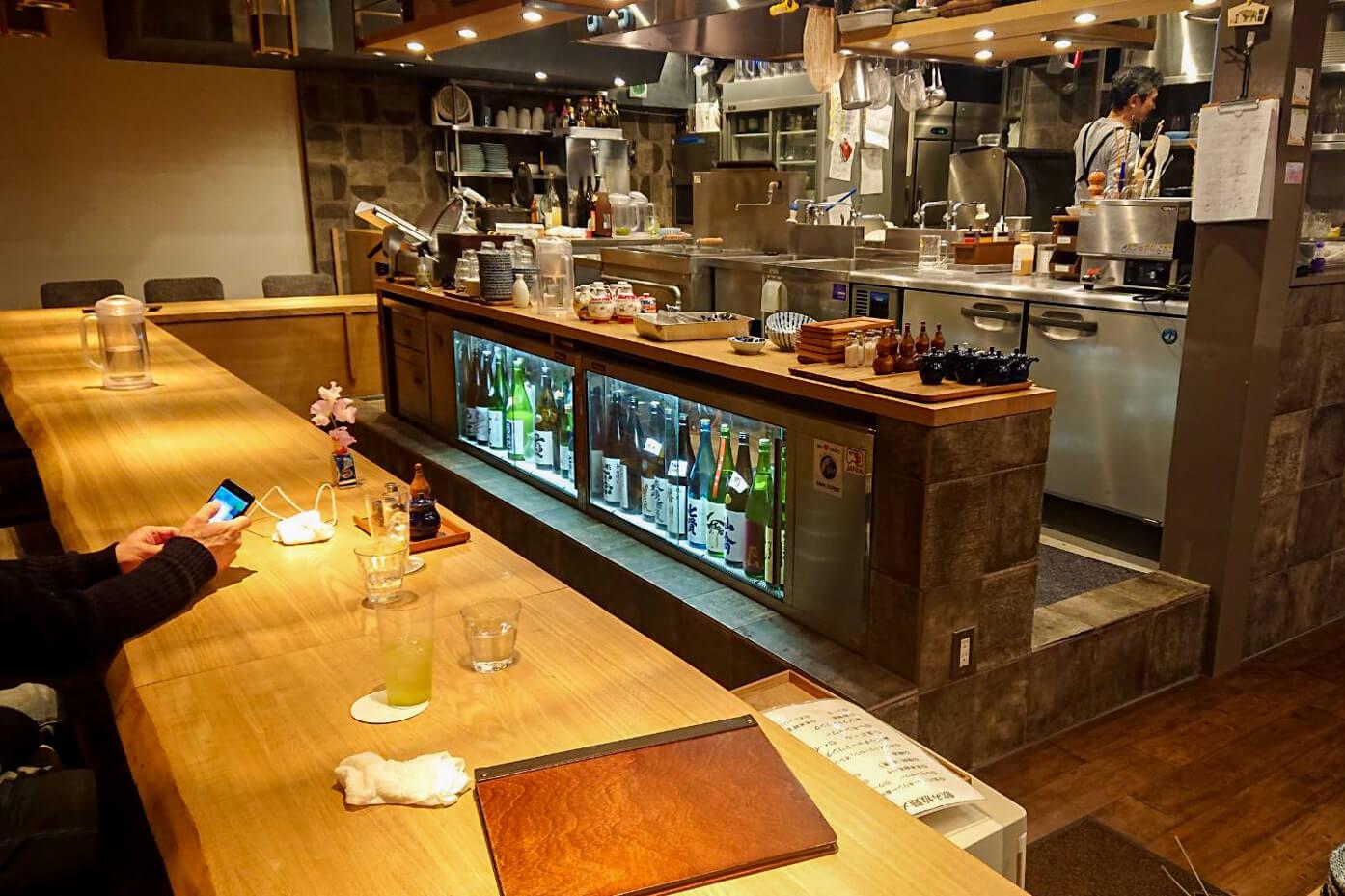 饂飩ト酒 maru-ginのカウンター